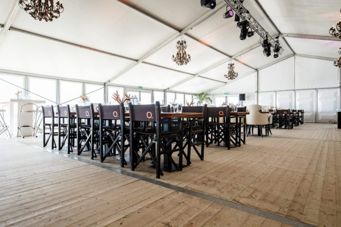 aluhal-tent-beachclub-o-xxl-interieur-1