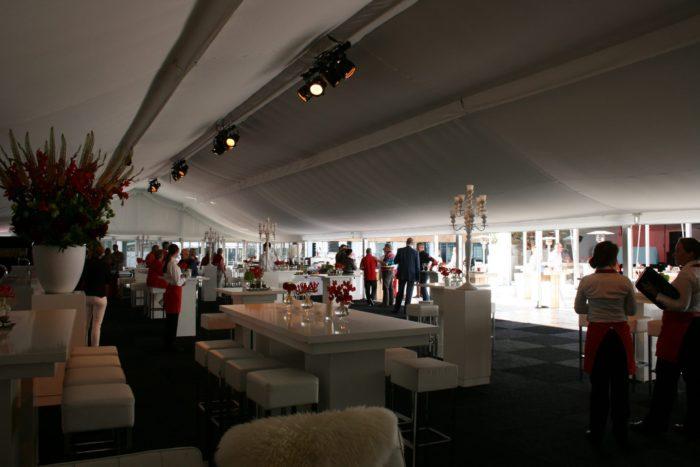 evenement-tent-1-plafondstoffering