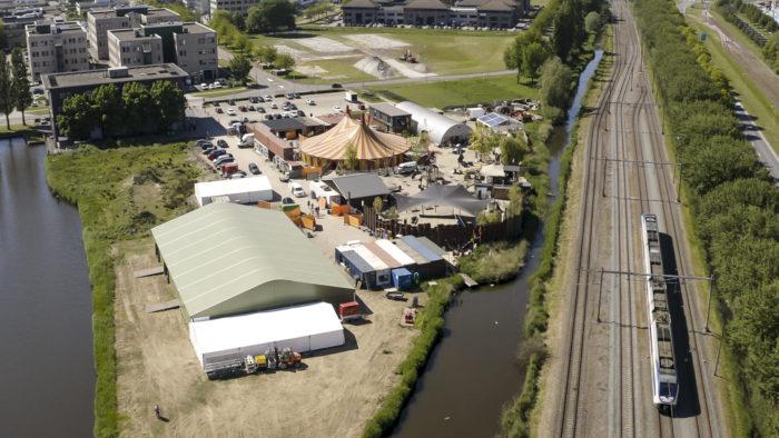festival-tent-maessen-01_00_24_03-still006-2