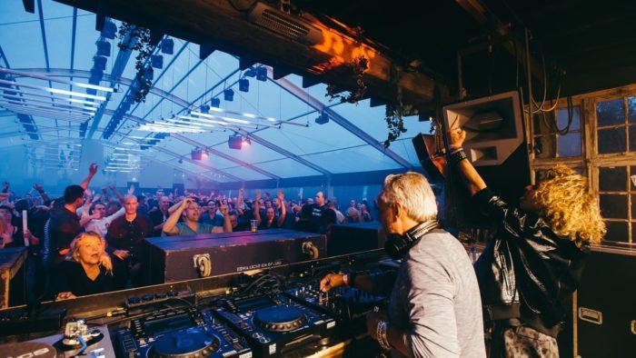 festival-tent-img_5571-002